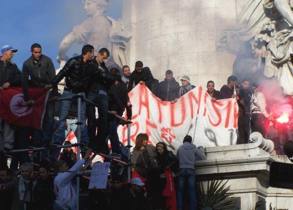 PARIS SUR LA TUNISIE